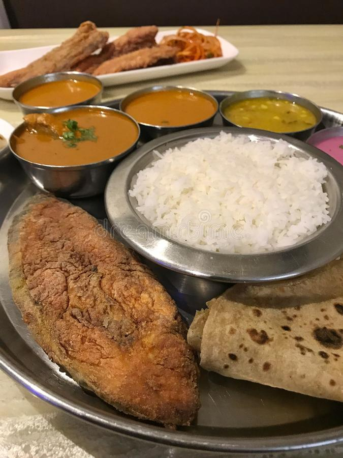 Alimento de mar Thali, culinária de Konkan imagens de stock