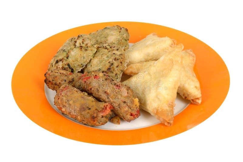 Alimento de petisco de Samosa do indiano imagens de stock