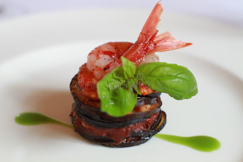 Alimento decorativo gourmet da beringela italiana foto de stock