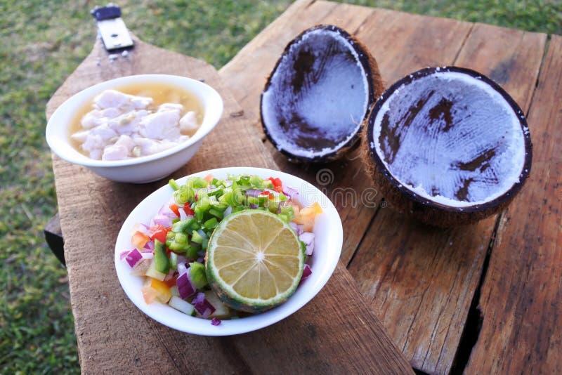 Alimento del Fijian - insalata del pesce crudo di Kokoda fotografie stock libere da diritti
