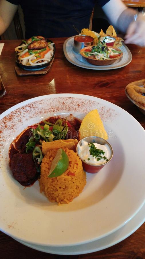 Alimento delicioso picante no restaurante mexicano imagens de stock