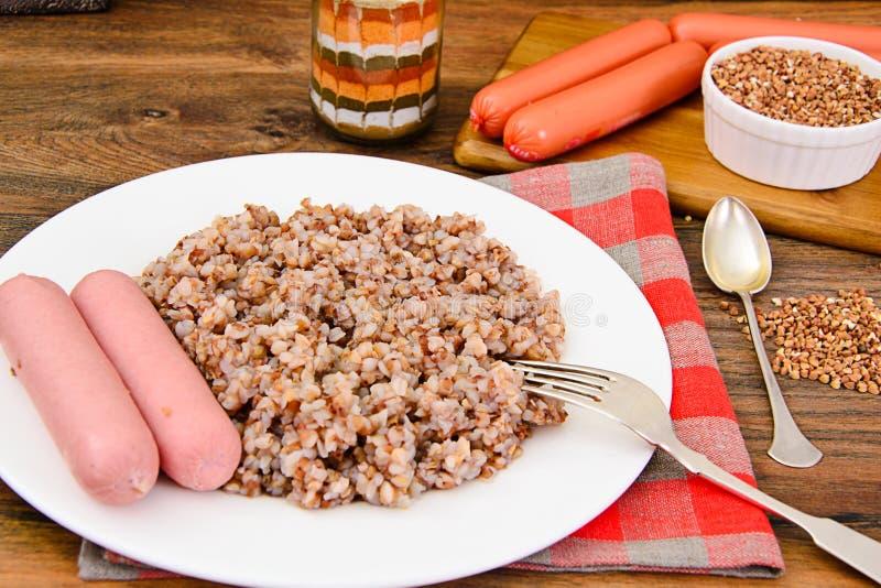 Alimento di dieta della salsiccia di spirito del grano saraceno fotografie stock libere da diritti