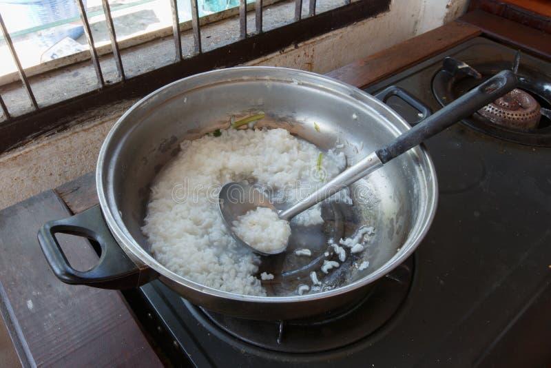 Alimento do detalhe do close up do potenciômetro do arroz fotos de stock royalty free