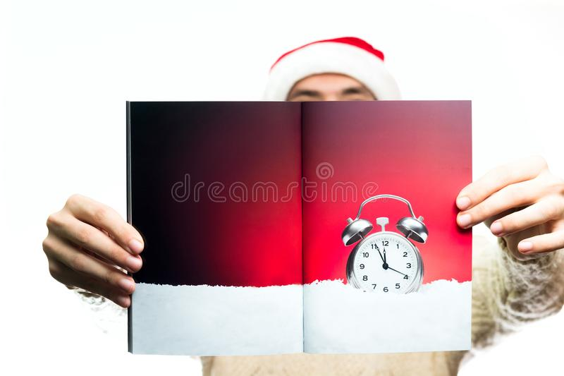Alimento e doces do conceito do ano novo do Natal Homem em Papai Noel h imagens de stock