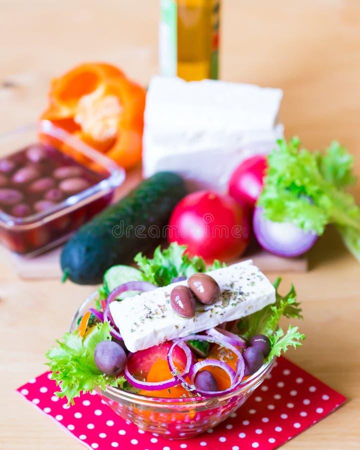 Download Alimento Ensalada De Grecia Foto de archivo - Imagen de surtido, dieta: 100528950
