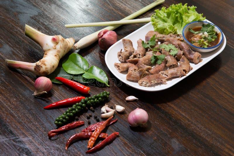 Alimento fritado do intestinesThai da carne de porco imagem de stock
