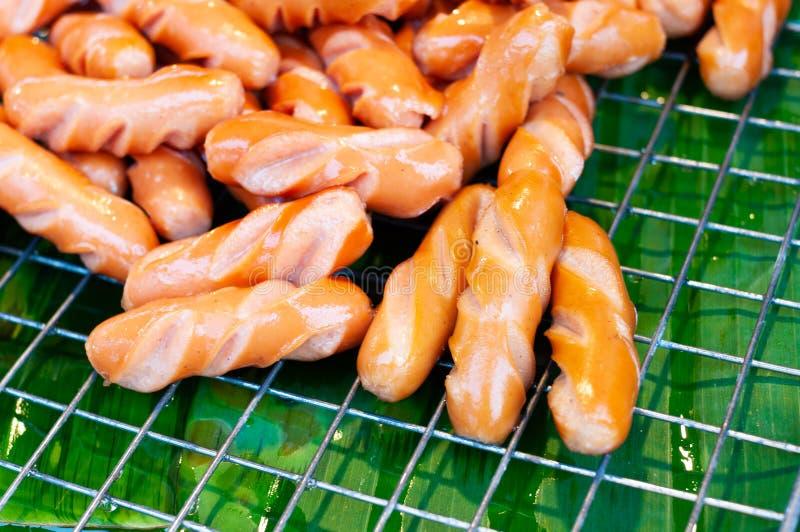 Alimento fritado Tailândia da rua das salsichas imagem de stock