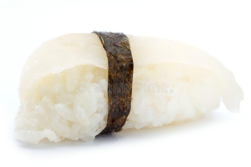 Alimento giapponese dei rotoli di sushi isolato su fondo bianco immagine stock