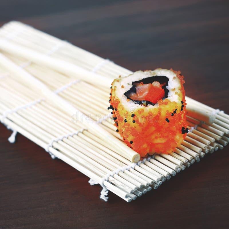Alimento giapponese tradizionale, sushi la gente della cucina del mondo fotografia stock libera da diritti