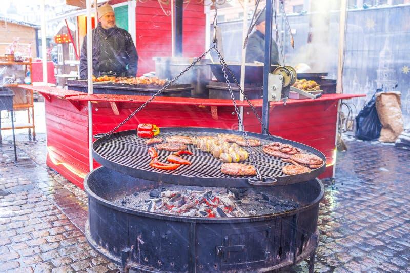 Alimento grelhado no festival do Natal foto de stock royalty free
