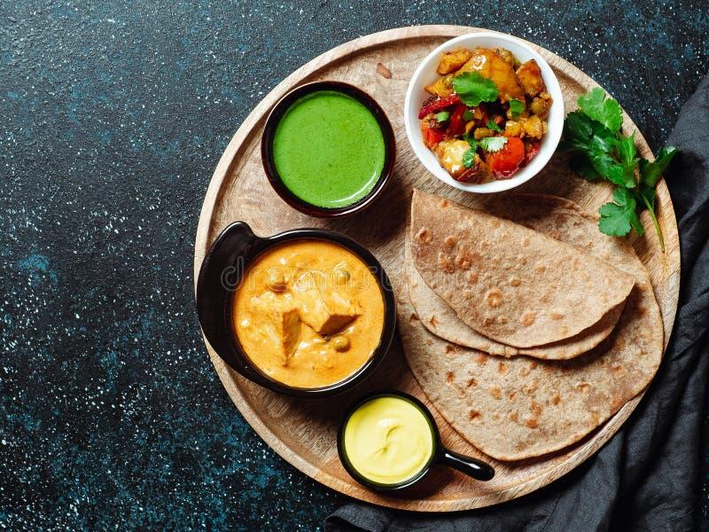 Alimento indiano e pratos indianos da culin?ria, espa?o da c?pia fotos de stock royalty free