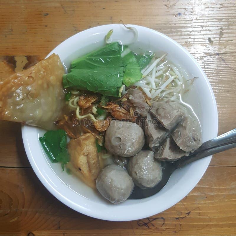 Alimento indonésio famoso de Bakso fotos de stock