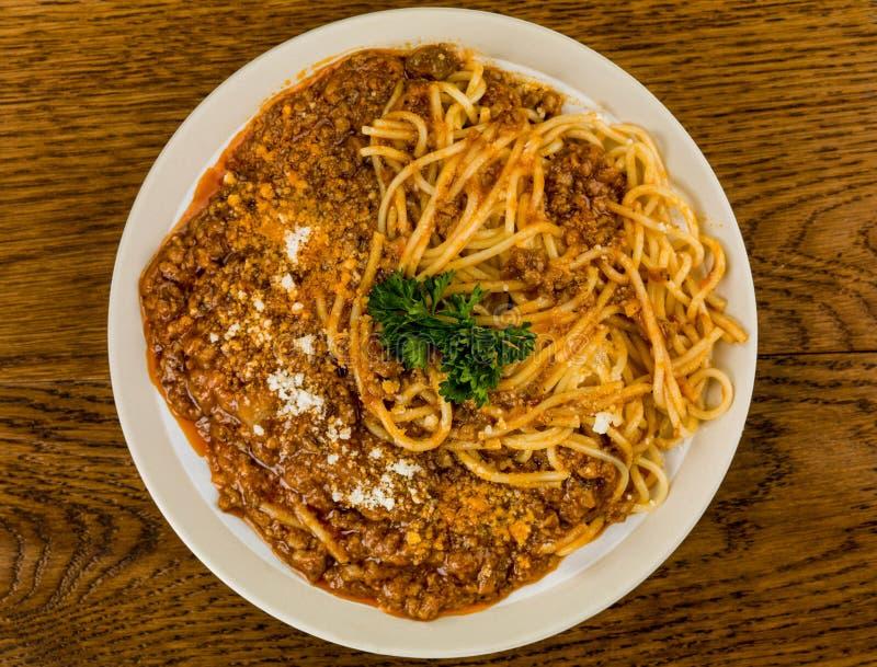 Alimento italiano de Bolonhês dos espaguetes do estilo imagem de stock royalty free