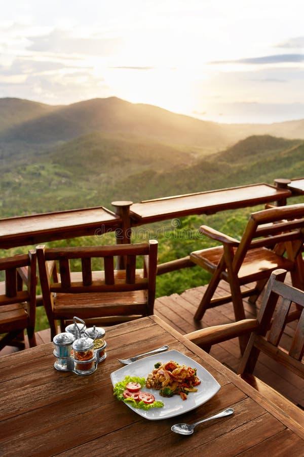 Alimento Jantar no restaurante tailandês Refeição saudável Curso a Thailan imagem de stock royalty free