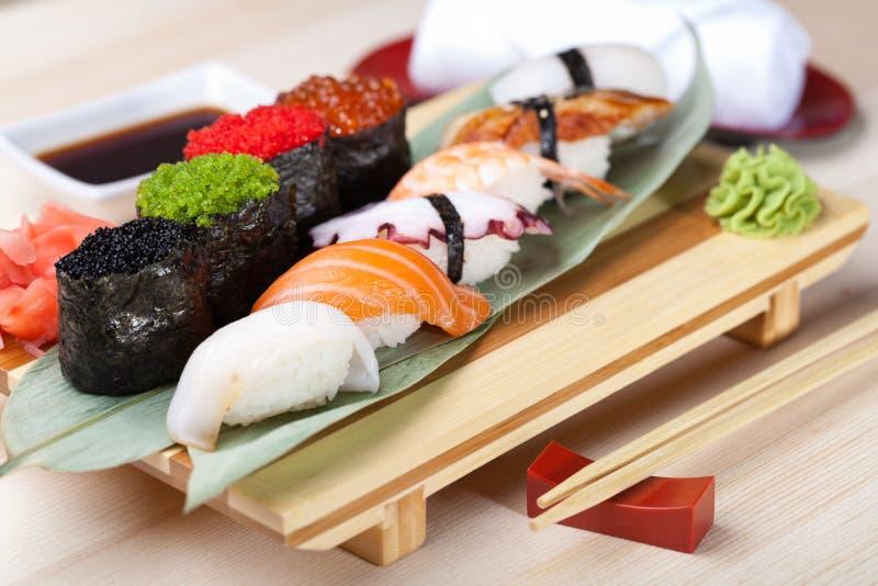 Alimento japonês clássico imagens de stock royalty free
