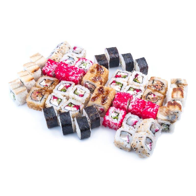 Alimento japonês Grupo do sushi de rolos diferentes fotos de stock royalty free
