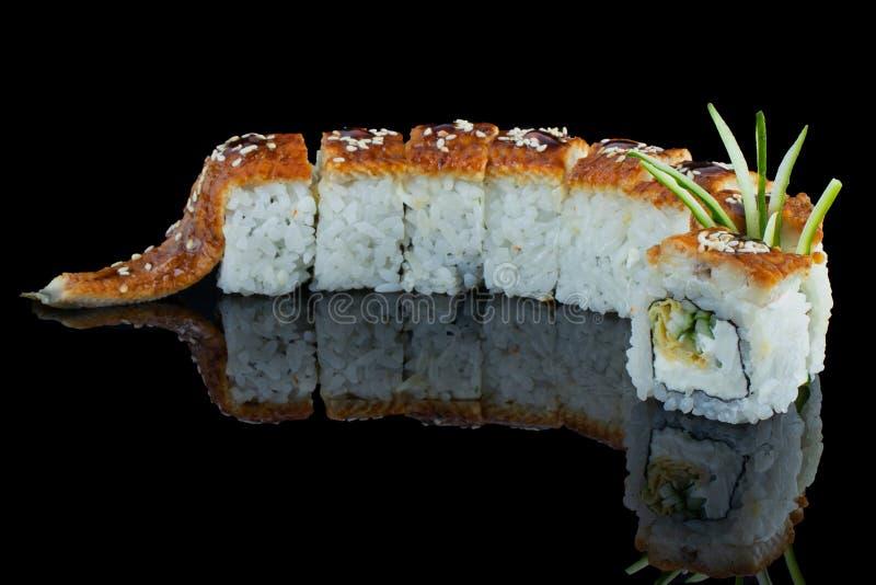 Alimento japonês Rolo da enguia Para o menu dos cafés e dos restaurantes fotografia de stock royalty free