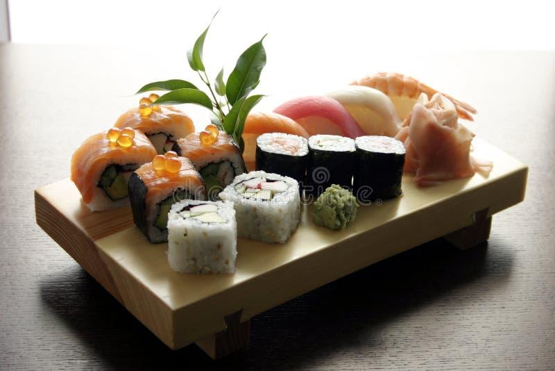 Alimento japonês tradicional do sushi fotografia de stock