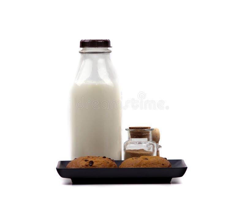 Alimento - leche y galletas fotografía de archivo