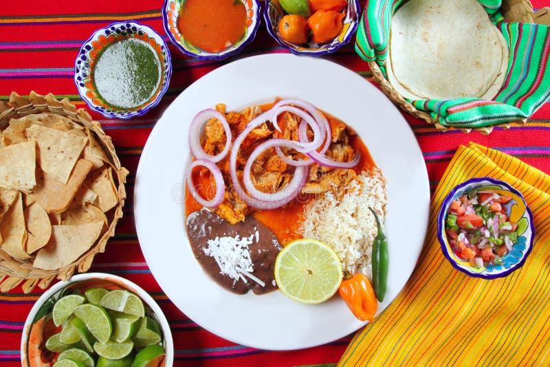 Alimento mexicano de los Fajitas con los frijoles del arroz imagen de archivo libre de regalías
