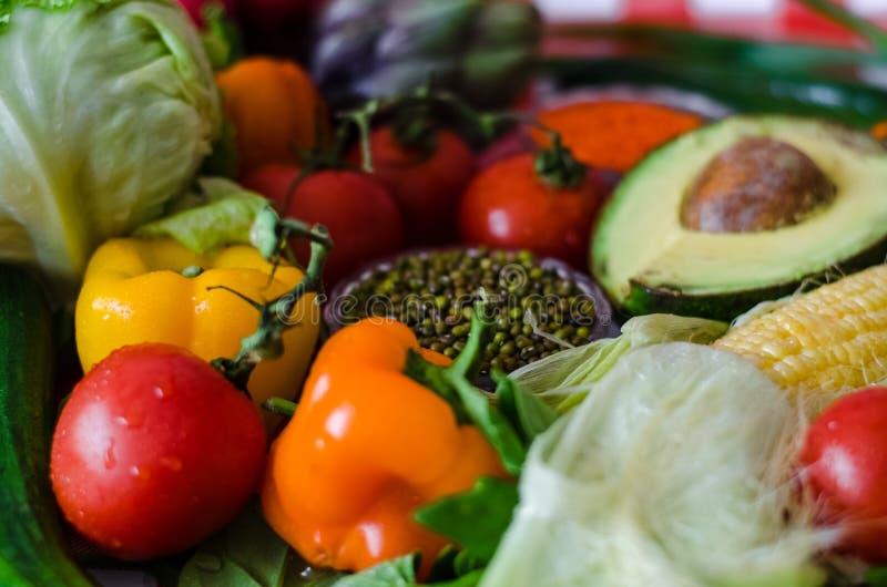 Alimento nutritivo, pimentas doces, parte de couve verde foto de stock