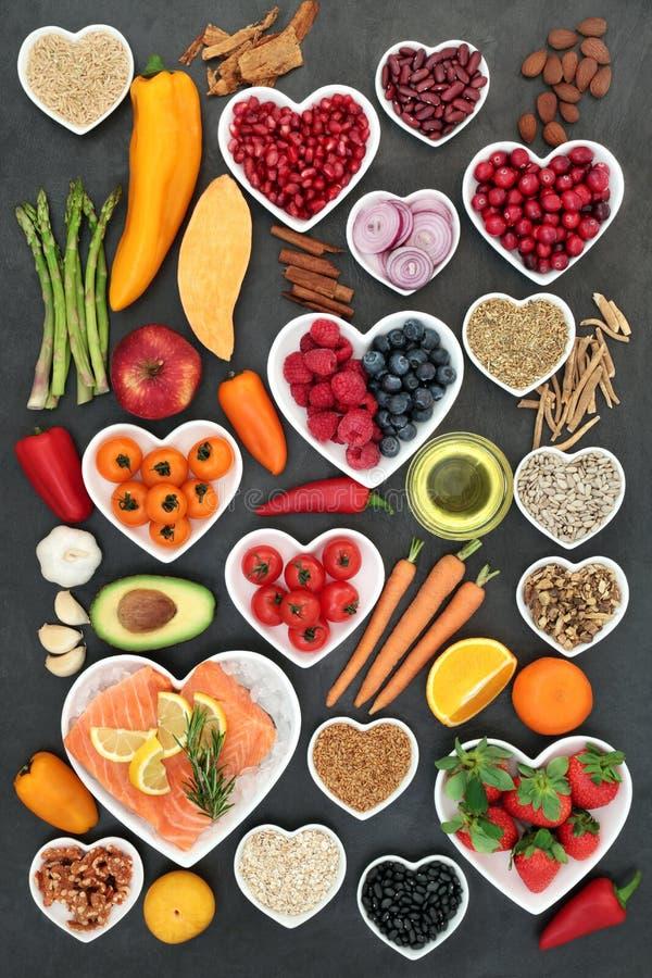 Alimento para um coração saudável imagem de stock royalty free