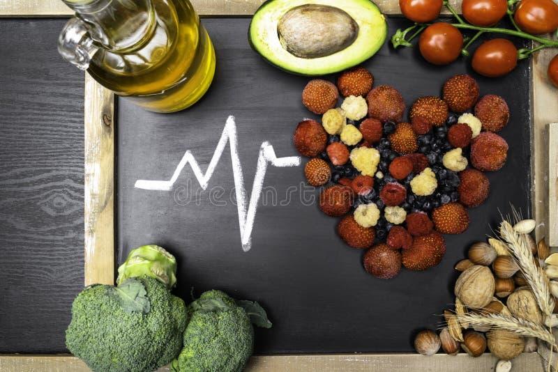 alimento per cuore, ricchi con gli antiossidanti, acidi cloridrici monoinsaturi fotografie stock