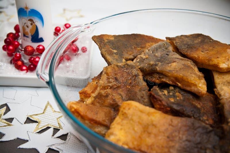 Alimento polonês do Natal de peixes fritados da carpa imagens de stock royalty free
