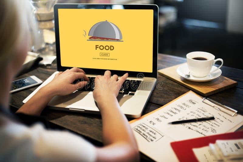 Alimento que come jantando o conceito da nutrição do restaurante da dieta fotos de stock royalty free