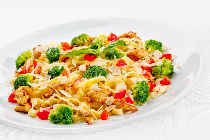 Alimento saboroso. Massa com vegetais. fotografia de stock royalty free