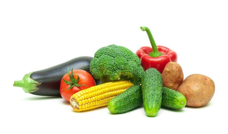 Alimento sano: ortaggi freschi isolati su fondo bianco immagini stock