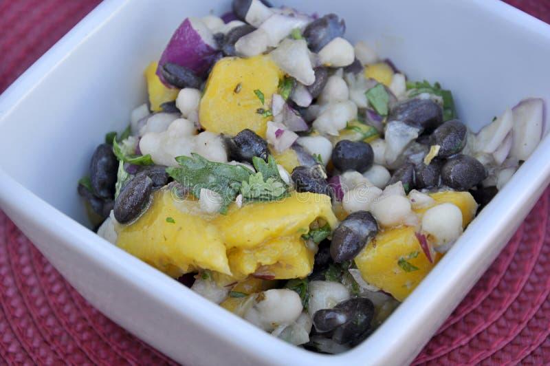Alimento saudável da salada do feijão da manga imagem de stock