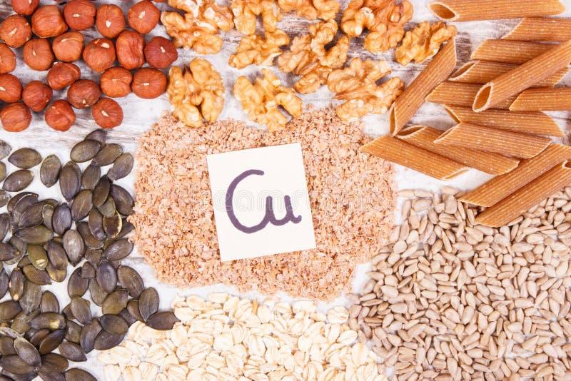 Alimento saudável que contém o cobre, os minerais e a fibra dietética, conceito saudável da nutrição fotografia de stock
