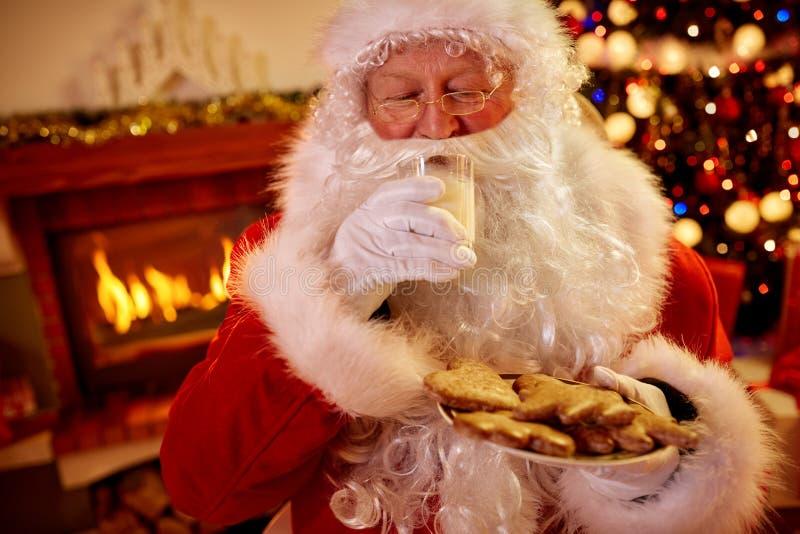 Alimento servido tradicional real de Santa Claus Christmas imagens de stock