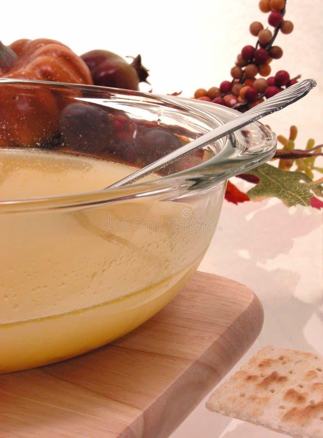 Alimento: Sopa de tallarines del pollo fotografía de archivo