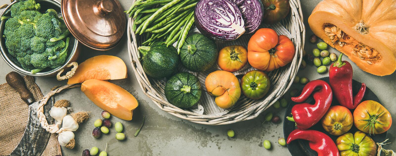 Alimento stagionale vegetariano sano di caduta che cucina fondo, ampia composizione fotografia stock