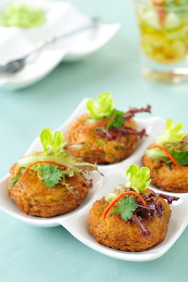 Alimento tailandês bolo de peixes fritado imagem de stock