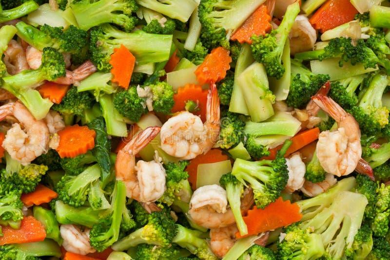 Alimento tailandês, bróculos Agitar-fritados com camarão foto de stock