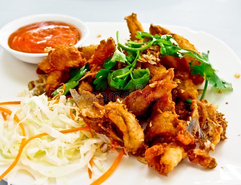 Alimento tailandês, peixe fritado friável 1 foto de stock