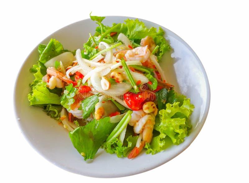 Alimento tailandês, salada fresca do camarão em um prato branco imagens de stock