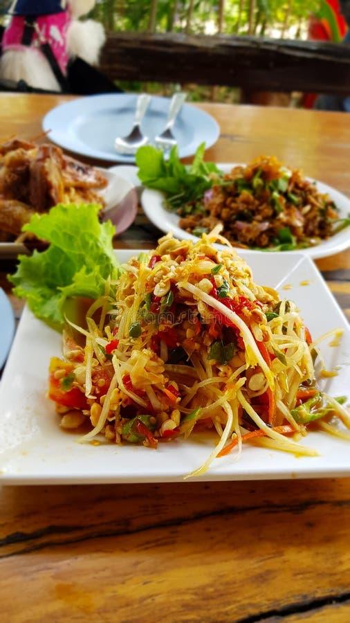 Alimento tailandês & x22; SomTum& x22; imagem de stock