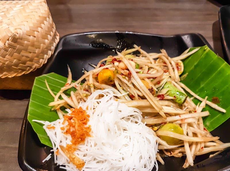 Alimento tailand?s da salada da papaia fotos de stock royalty free