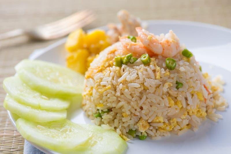 Alimento tailandese del riso fritto dell'ananas fotografia stock