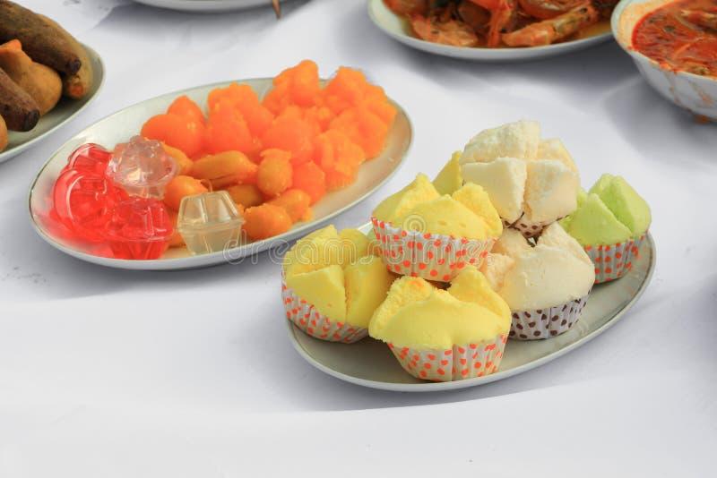 Alimento tailandese di giallo del dolce di Candy in piatto fotografia stock