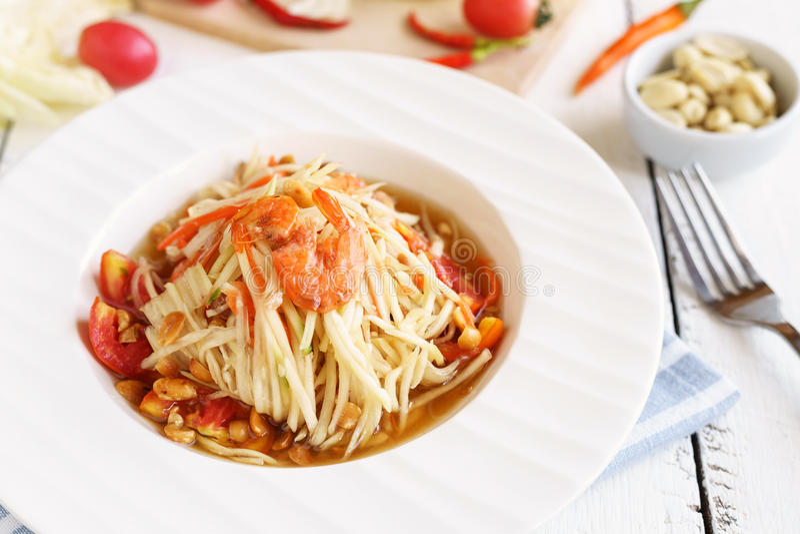 Alimento tailandese famoso dell'insalata della papaia immagini stock