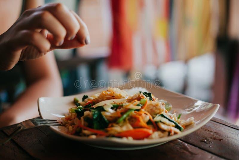 Alimento tailandese saporito con le tagliatelle fotografie stock