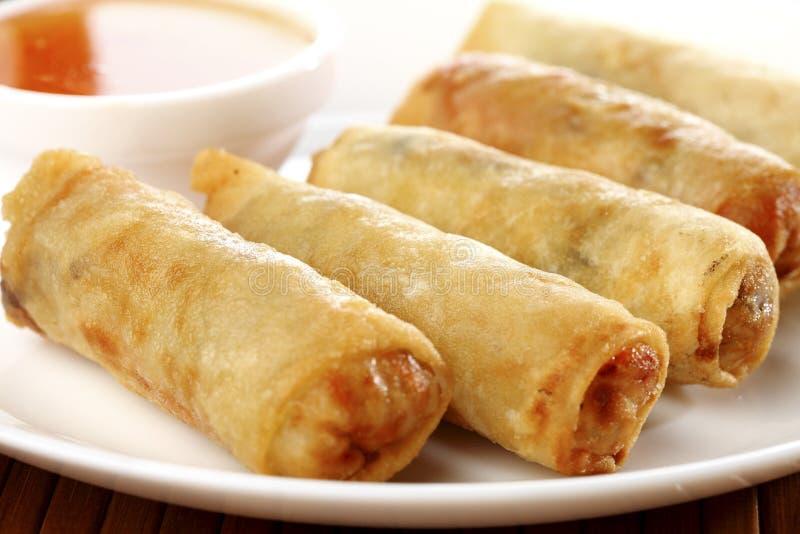 Alimento tradicional chino frito de los rodillos de resorte imagen de archivo