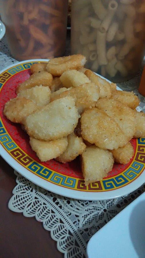 Alimento tradicional fritado de Indonésia do arroz pegajoso seu ketan imagem de stock royalty free