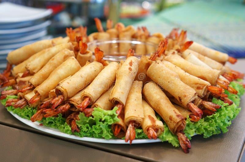 Alimento tradizionale cinese croccante dei rotoli di molla fotografia stock
