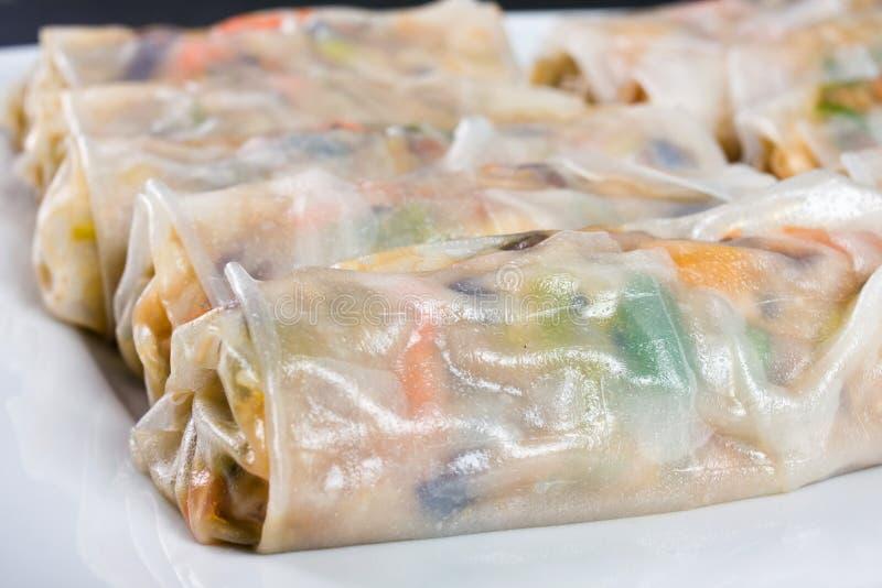 Alimento tradizionale cinese dei rotoli di primavera immagine stock libera da diritti